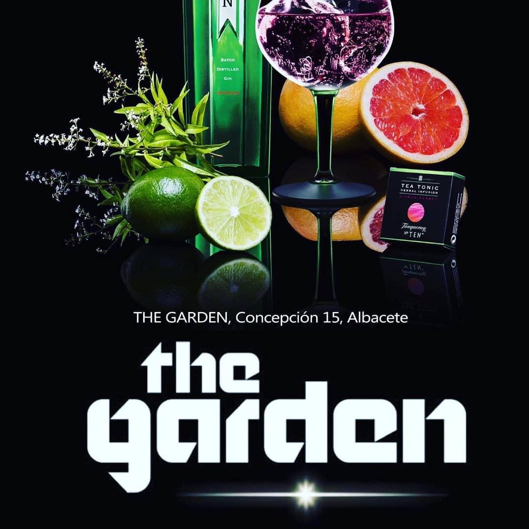 Viernes noche The Garden